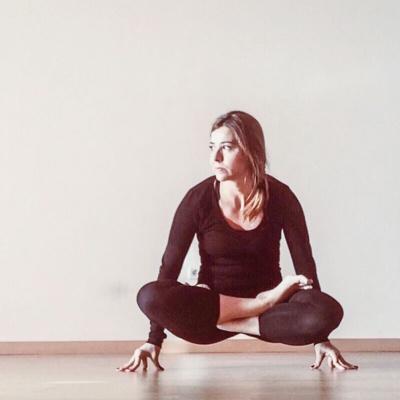 Yoga 200h. Vinyasa Flow. Lourdes Vidal y Matt Giordano